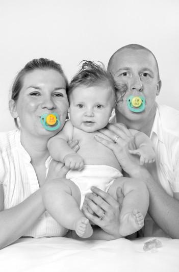 ©Natacha soury, portrait de Tom et ses parents sophie, Yann Arrive, Abu Dhabi, EAU, 12_11.