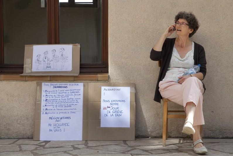 Lisbeth, mamande Corentin, grève de la faim, J12, parents garches en lutte, ecole st genevieve, port marly, 78, france, ©natacha soury